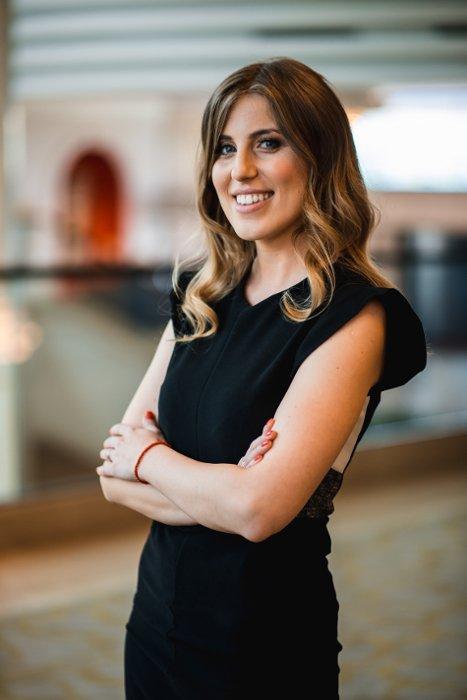 Елена Симиќ - Образовен агент за визи за Австралија